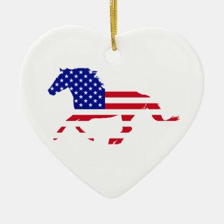 Ornamento De Cerâmica Coração do branco do mustang da bandeira dos