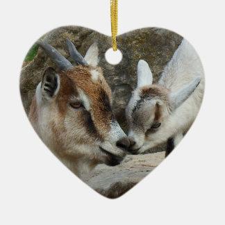 Ornamento De Cerâmica Coração do dia dos namorados da cabra da mãe e do