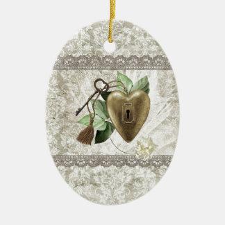 Ornamento De Cerâmica Coração do vintage com a chave acentuada com