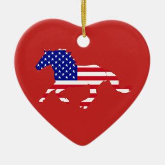 Ornamento De Cerâmica Coração vermelho & azul do mustang da bandeira dos