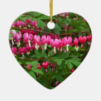 Ornamento De Cerâmica Corações de sangramento natureza, foto