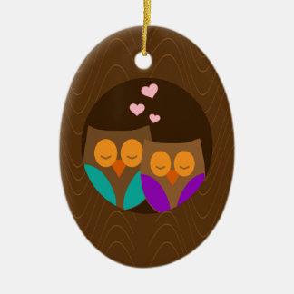 Ornamento De Cerâmica Corujas em um ninho