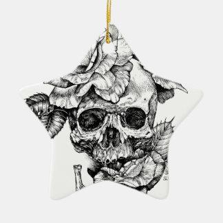 Ornamento De Cerâmica Crânio humano e desenho de tinta preta dos rosas