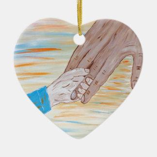 Ornamento De Cerâmica Criança que guardara a mão do pai