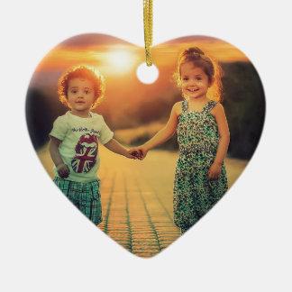 Ornamento De Cerâmica Crianças que guardaram o amor do por do sol das