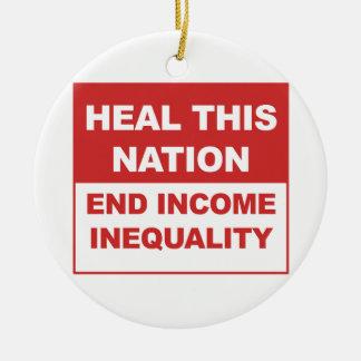Ornamento De Cerâmica Cure esta nação - desigualdade da renda do fim