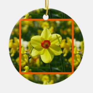 Ornamento De Cerâmica Daffodils amarelos alaranjado 02.2.2o