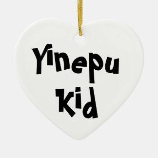 """Ornamento De Cerâmica De """"ornamento de B&W do miúdo Yinepu"""" (cerâmico)"""
