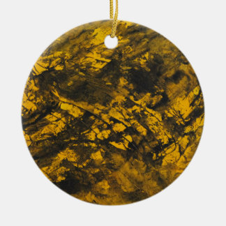 Ornamento De Cerâmica De tinta preta no fundo amarelo
