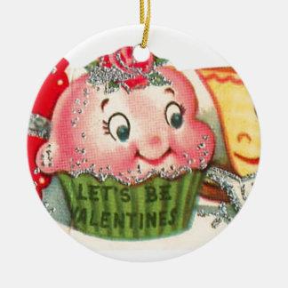 Ornamento De Cerâmica Dia dos namorados retro do cupcake e do Teacup do