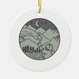 Ornamento De Cerâmica Do círculo tocante do Brontosaurus do astronauta