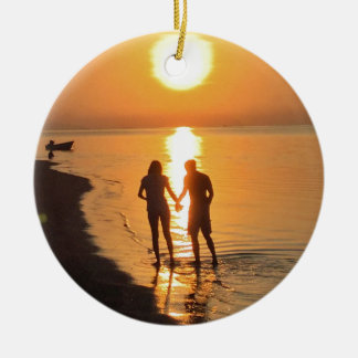 Ornamento De Cerâmica Dois amantes no nascer do sol