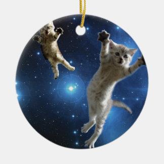 Ornamento De Cerâmica Dois gatos do espaço que flutuam em torno da