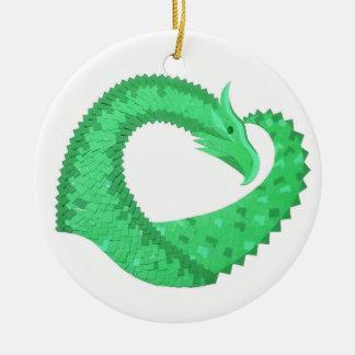 Ornamento De Cerâmica Dragão verde do coração no branco