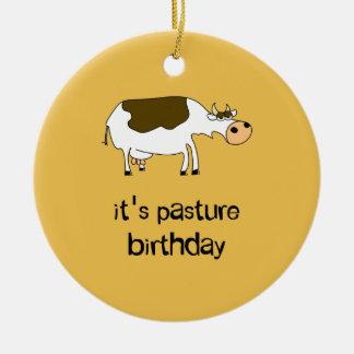 Ornamento De Cerâmica É vaca engraçada do aniversário do pasto