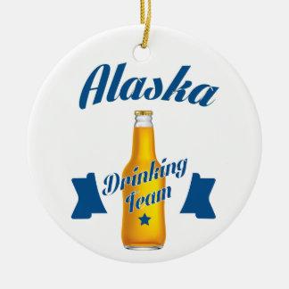 Ornamento De Cerâmica Equipe do bebendo de Alaska