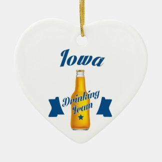Ornamento De Cerâmica Equipe do bebendo de Iowa