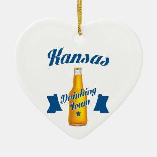 Ornamento De Cerâmica Equipe do bebendo de Kansas