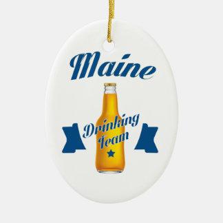 Ornamento De Cerâmica Equipe do bebendo de Maine