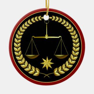 Ornamento De Cerâmica Escalas de justiça