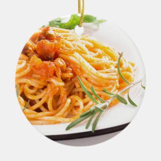 Ornamento De Cerâmica Espaguetes italianos com o close up vegetal do