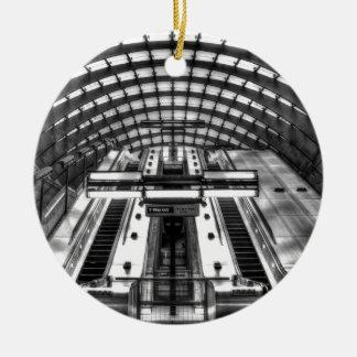 Ornamento De Cerâmica estação de metro amarela do cais