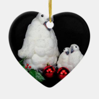 Ornamento De Cerâmica Estatuetas do pinguim como a família com bolas do
