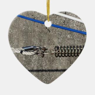 Ornamento De Cerâmica Estilingue da corda com o grilhão de âncora da