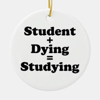 Ornamento De Cerâmica Estudante mais o estudo de morte dos iguais