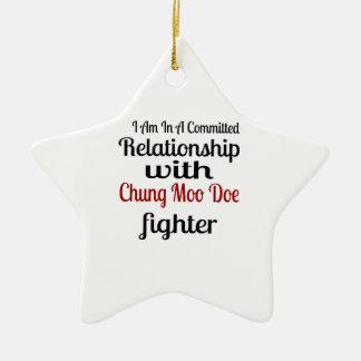 Ornamento De Cerâmica Eu estou em uma relação cometida com Chung que o