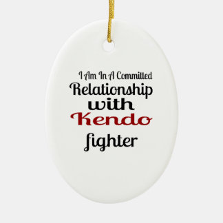 Ornamento De Cerâmica Eu estou em uma relação cometida com Kendo Fighte