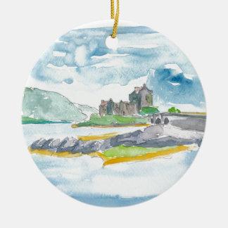 Ornamento De Cerâmica Fantasia das montanhas de Scotland e castelo de