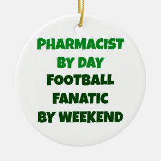 Ornamento De Cerâmica Farmacêutico pelo fanático do futebol do dia em o