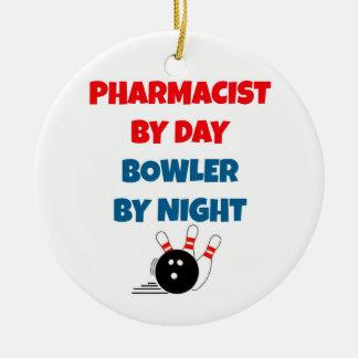 Ornamento De Cerâmica Farmacêutico pelo jogador do dia em a noite