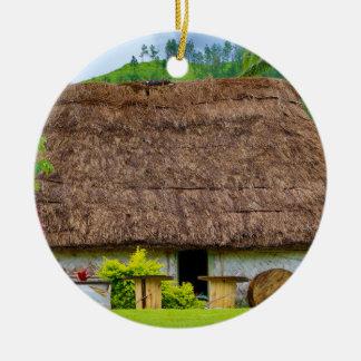 Ornamento De Cerâmica Fijian tradicional Bure, vila de Navala, Fiji