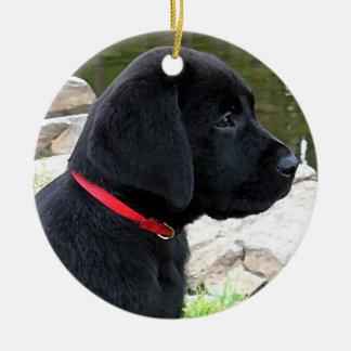 Ornamento De Cerâmica Filhote de cachorro preto de Labrador - pouco