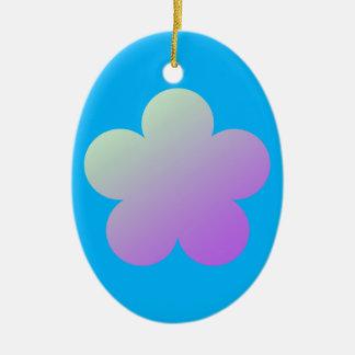 Ornamento De Cerâmica Flor em um fundo azul