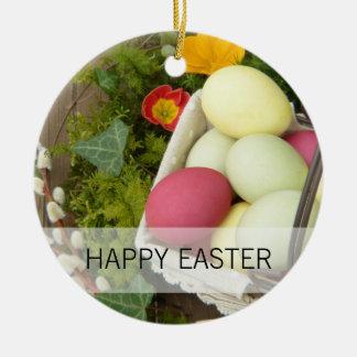 Ornamento De Cerâmica Flores do primavera e cesta dos ovos da páscoa