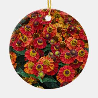 Ornamento De Cerâmica Flores vermelhas e alaranjadas do helenium