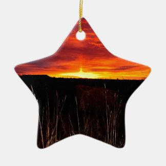 Ornamento De Cerâmica Fogo no céu no nascer do sol