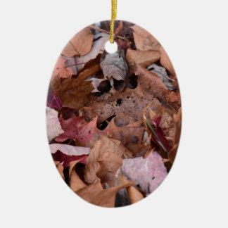 Ornamento De Cerâmica Folhas da queda nas montanhas fumarentos