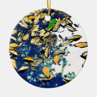 Ornamento De Cerâmica Folhas na chuva