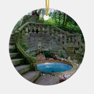 Ornamento De Cerâmica Fonte azul do jardim