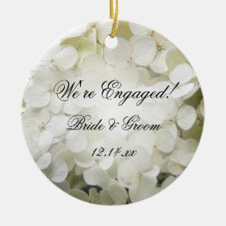 Ornamento De Cerâmica Foto branca do noivado do Hydrangea