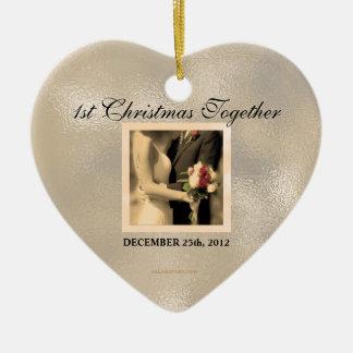 Ornamento De Cerâmica Foto do vintage do Natal do recem casados ?a