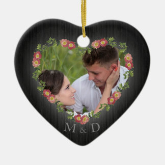 Ornamento De Cerâmica Foto floral de madeira rústica do coração