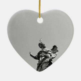 Ornamento De Cerâmica Foto simples, moderna da gaivota sobre a estátua