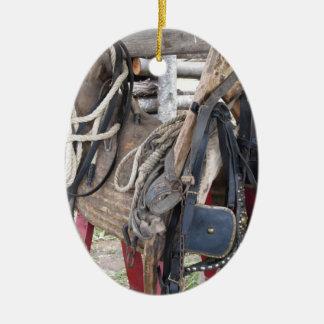Ornamento De Cerâmica Freios e bocados de couro gastos do cavalo