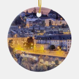 Ornamento De Cerâmica Fribourg de negligência no início da noite