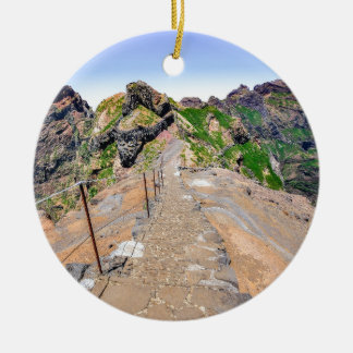 Ornamento De Cerâmica Fuga de caminhada acima nas montanhas em Madeira